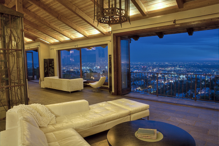 Luxury hollywood hills house for rent vacation rental by for Family room los angeles